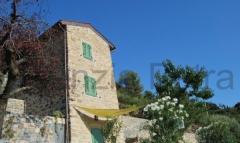Casa indipendente in Vendita a Bordighera - 90 m²