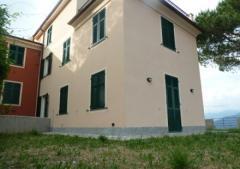 Villetta a schiera in Vendita a Leivi - 85 m²
