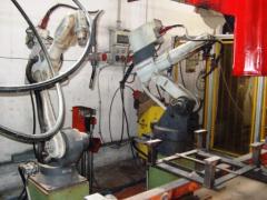 5 Isole Robotizzate Di Saldatura Usate, Per Costruzione Sedili Di Autovetture