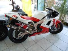 Motocicletta Yamaha YZF - R 1