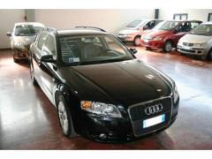 Automobile Audi A4