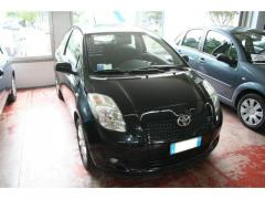 Automobile Toyota Yaris 1.3 VVT-i Sol