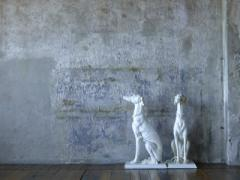 Statuetta di porcellana cane