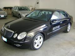 Automobile Mercedes-Benz E 220