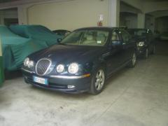 Automobile Jaguar S-Type