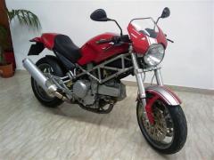 Motocicletta Ducati Monster 620