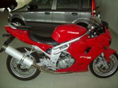 Motocicletta Hyosung GT 650i