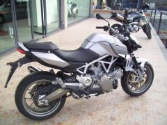 Motocicletta Aprilia Mana 850