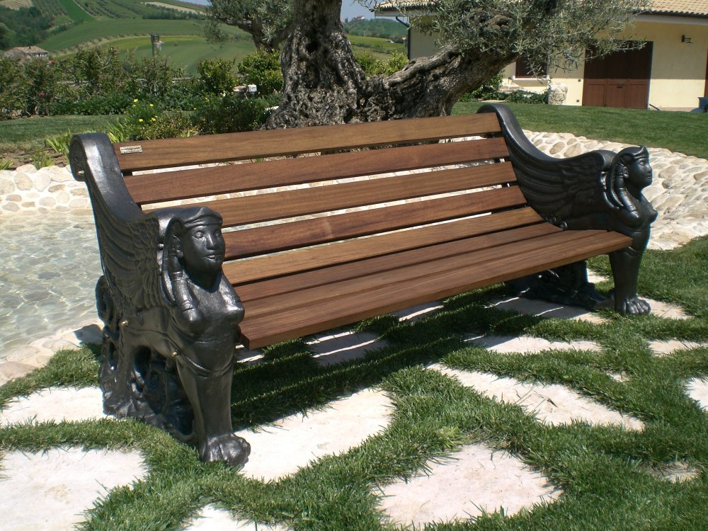 panchina_in_alluminio_legno_iroko