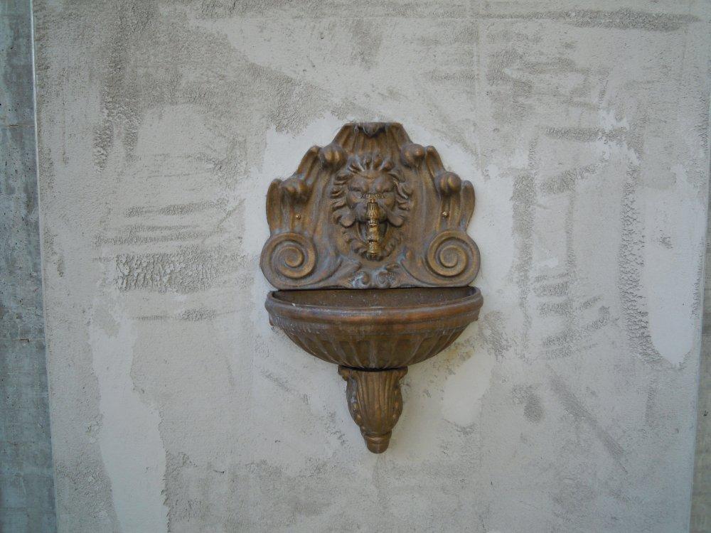 fontana_centauro_a_parete_in_ottone