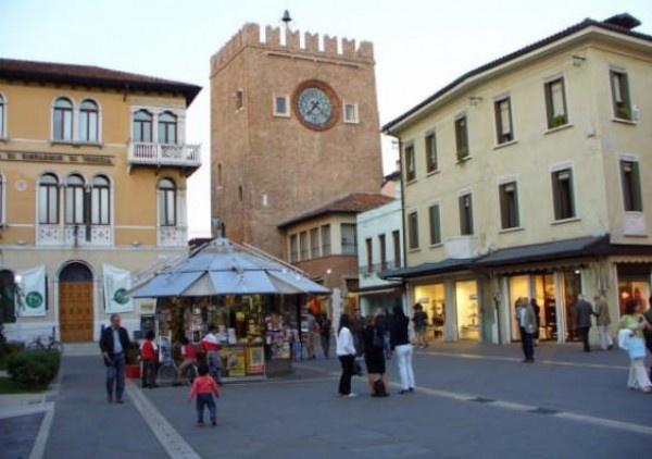 Ordine Appartamento in Affitto a Venezia - 4 locali