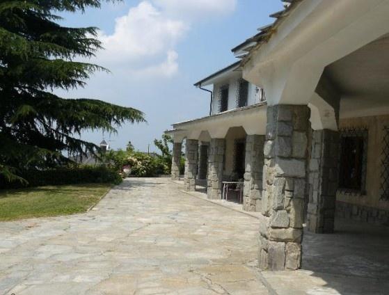 Ordine Villa in Affitto a Torino
