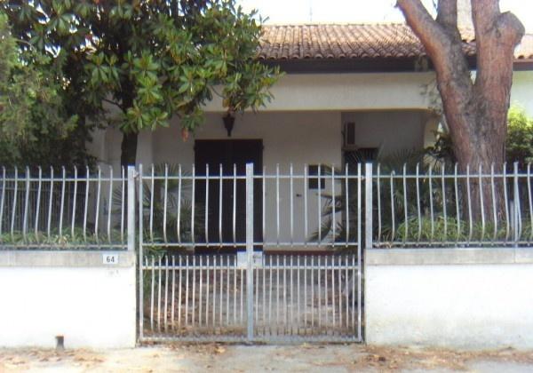 Ordine Appartamento in Affitto a Comacchio - più di 5 locali