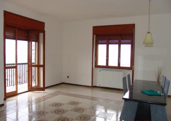 Ordine Appartamento in Affitto a Salerno - più di 5 locali