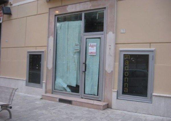 Ordine Negozio in Affitto a Caserta