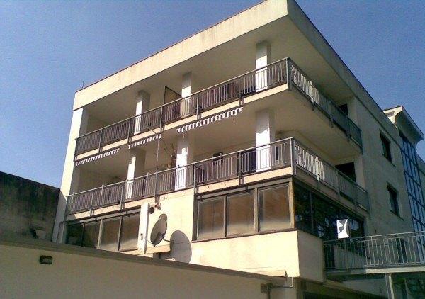 Ordine Ufficio in Affitto a Caserta - 62 m²