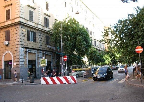 Ordine Negozio in Affitto a Roma - 40 m²