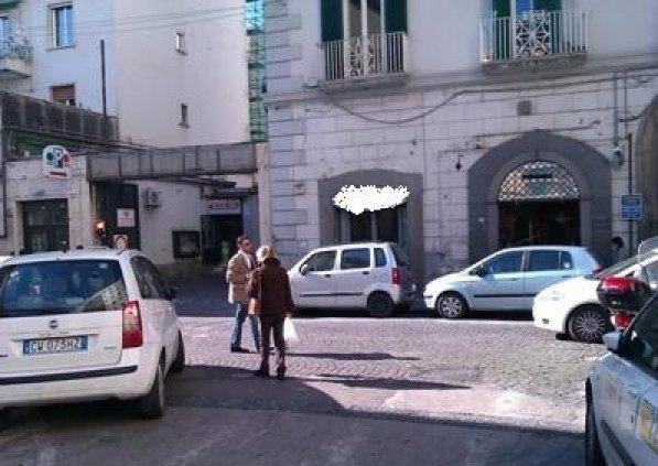 Ordine Negozio in Affitto a Napoli