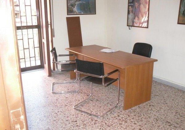 Ordine Ufficio in Affitto a Quarto