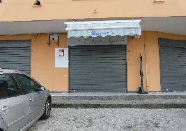 Ordine Negozio in Affitto a Giugliano In Campania