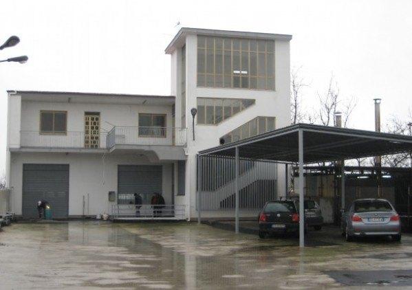 Ordine Capannone in Affitto a Casalnuovo Di Napoli - 300 m²