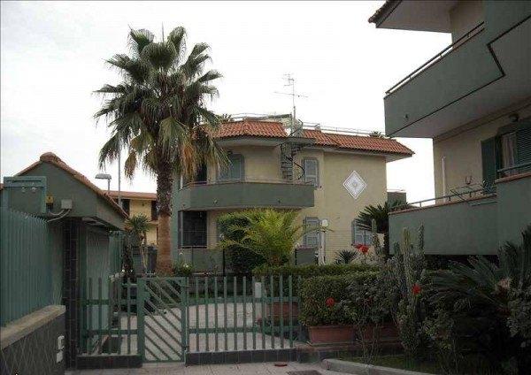 Ordine Appartamento in Affitto a Pozzuoli - 3 locali