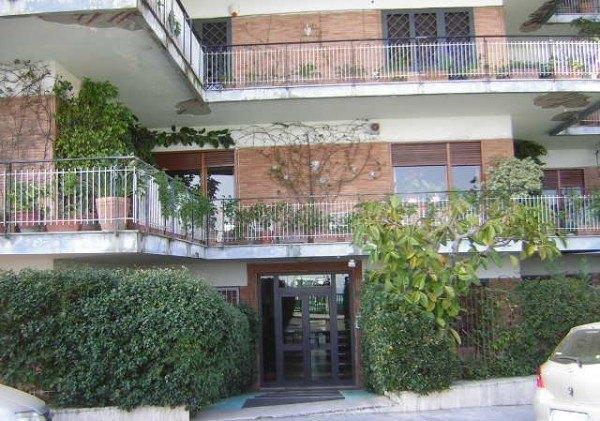 Ordine Appartamento in Affitto a Napoli - 100 m²