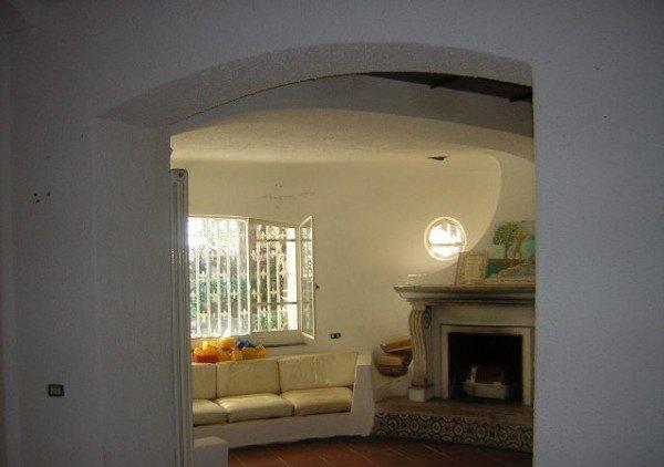 Ordine Casa indipendente in Affitto a Napoli - 200 m²
