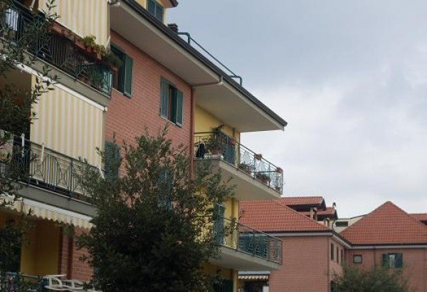 Ordine Appartamento in Affitto a Giugliano In Campania - 4 locali