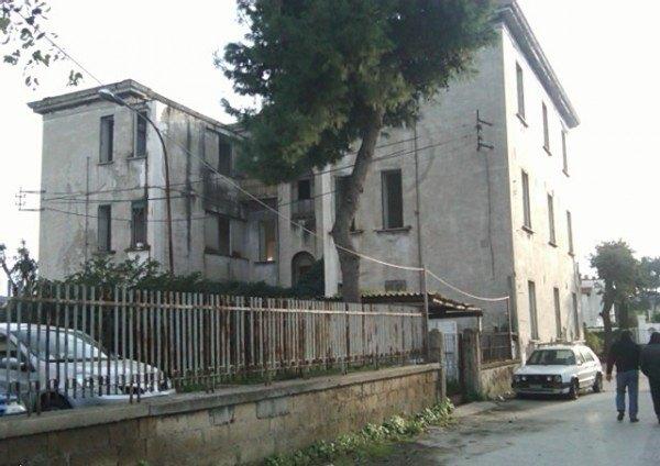 Ordine Appartamento in Affitto a Pozzuoli - 4 locali