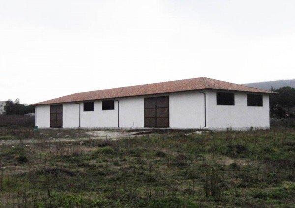 Ordine Capannone in Affitto a Pozzuoli - 500 m²