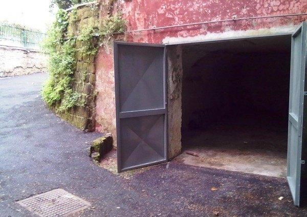 Ordine Box / Garage in Affitto a Napoli - 25 m²