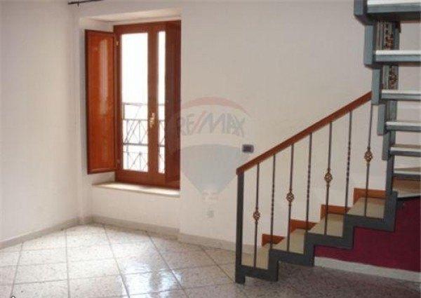 Ordine Appartamento in Affitto a Napoli - più di 5 locali