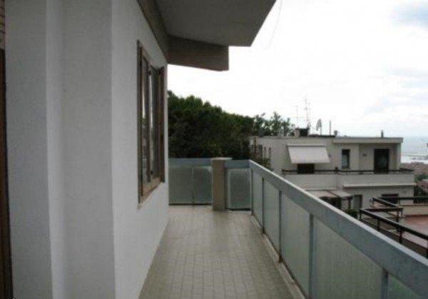 Ordine Appartamento in Affitto a Ancona - 110 m²