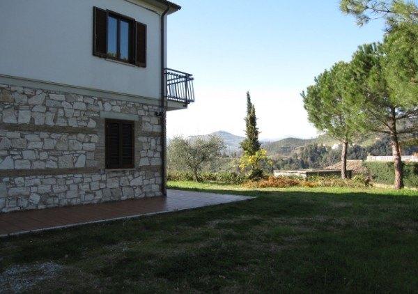 Ordine Rustico / Casale in Affitto a Ascoli Piceno - 240 m²