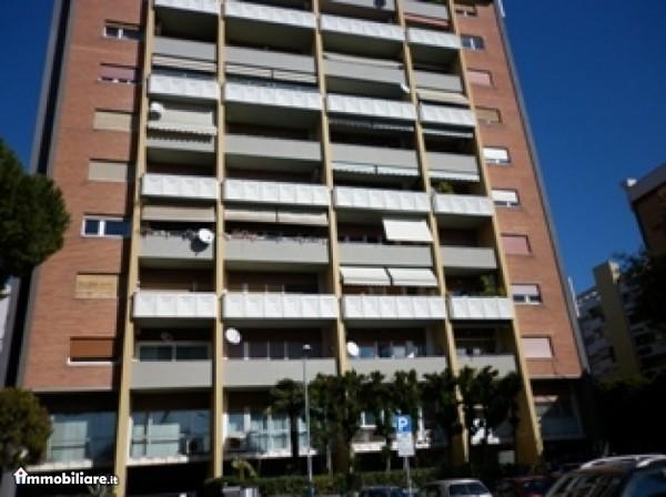 Ordine Ufficio in Affitto a Roma - 25 m²