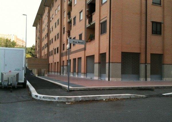 Ordine Negozio in Affitto a Roma - 150 m²