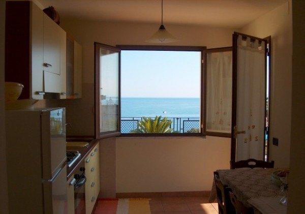 Ordine Appartamento in Affitto a Bova Marina - 3 locali