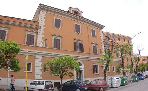 Ordine Ufficio in Affitto a Roma - 142 m²