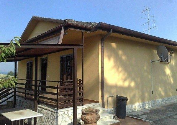 Ordine Casa indipendente in Affitto a Colleferro - 100 m²