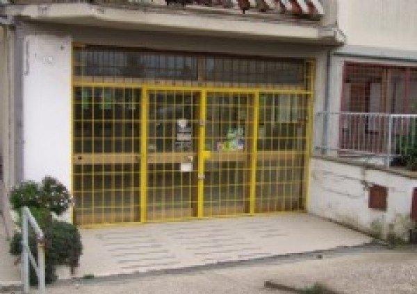 Ordine Altro in Affitto a Bracciano - 500 m²