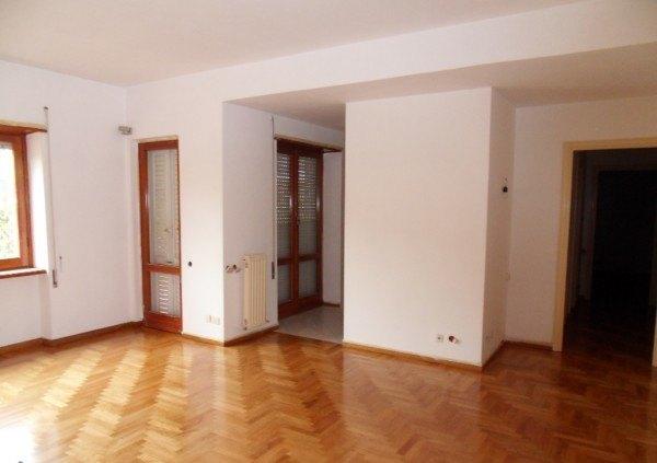 Ordine Appartamento in Affitto a Grottaferrata - 80 m²