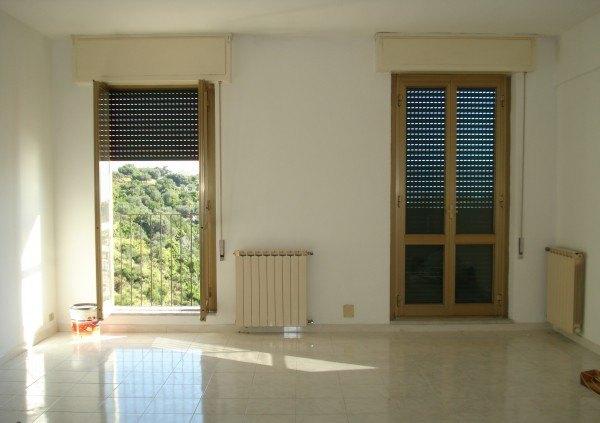 Ordine Appartamento in Affitto a Portovenere - 5 locali