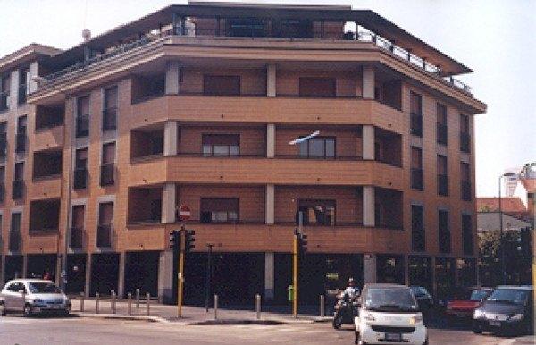 Ordine Ufficio in Affitto a Milano - 185 m²