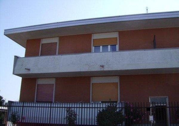 Ordine Appartamento in Affitto a Bareggio - 3 locali