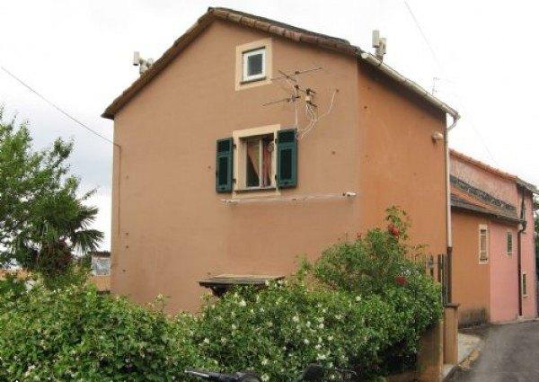 Ordine Appartamento in Affitto a Genova - 3 locali