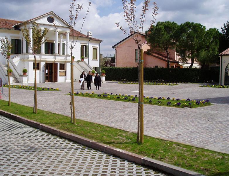 Ordine Progettazione urbano, Piazza di Villanova