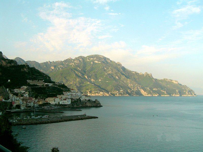Ordine La Costiera Amalfitana: terra benedetta da Dio.