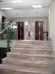 Rivestimento scala in marmo