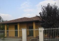 Villa in Affitto a Galliate